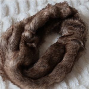 Ships Today!  A&F fur scarf